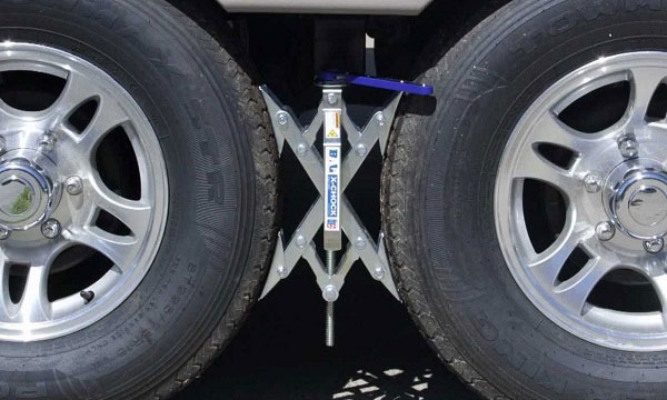 Types-of-RV-Wheel-Chocks