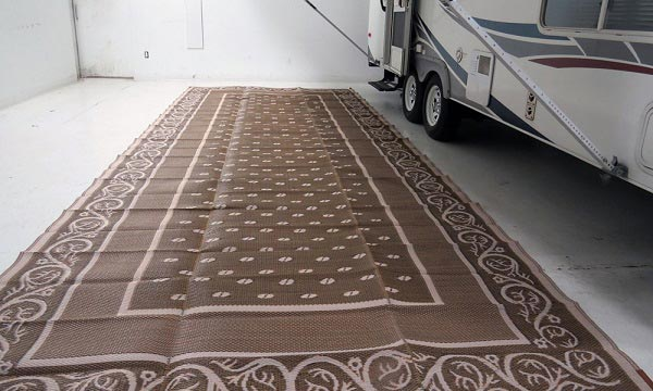 best-outdoor-rug-for-camping
