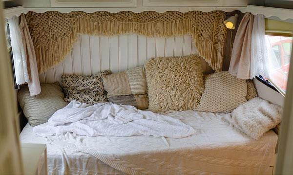 rv-short-queen-mattress-topper