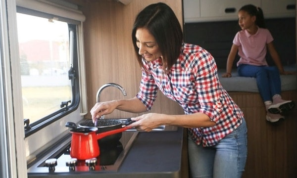 rv-electric-cooktops