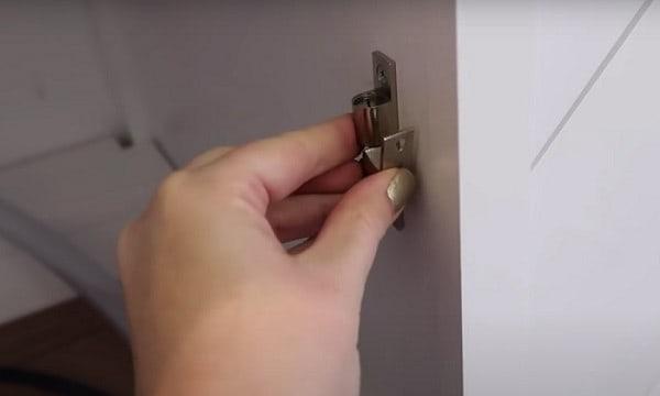 rv-cabinet-door-latches