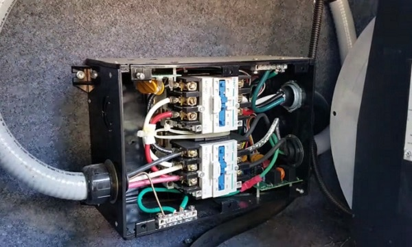 how does an rv automatic transfer switch works