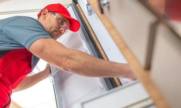 removing-an-rv-refrigerator